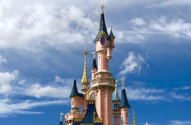 castle disneyland (2)